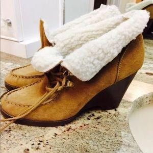 Michael Kors 6.5 bootie boot camel
